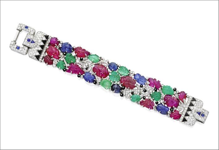 Bracciale con diamanti, smeraldi, zaffiri e rubini