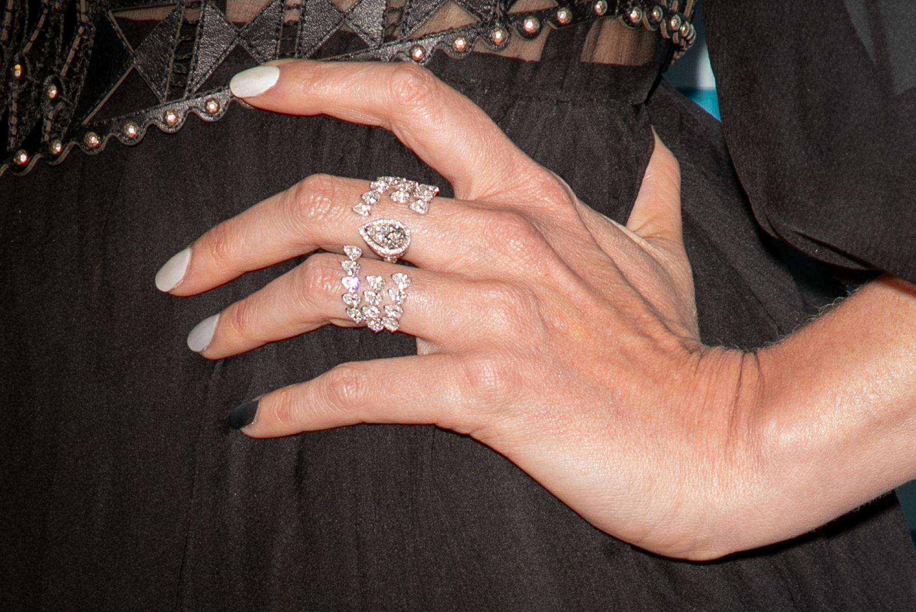 L'anello Shards of Mirror della collezione Once Upon A Time