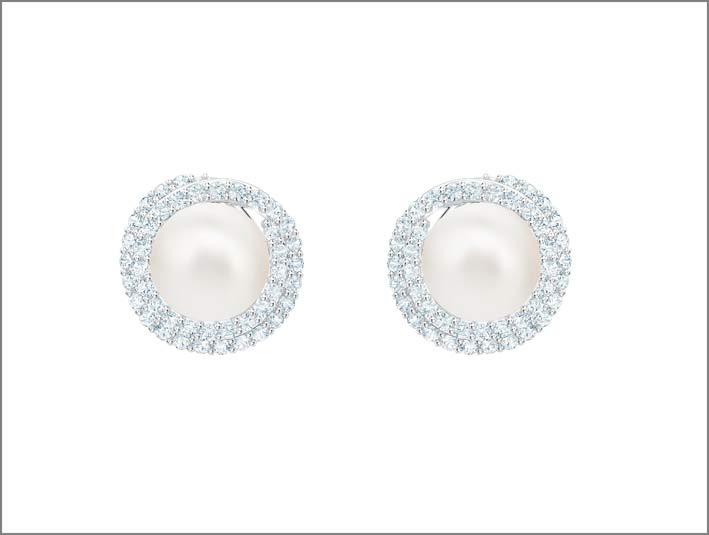 Orecchini a bottone in metallo rodiato, cristalli e Swarovski Crystal Pearl