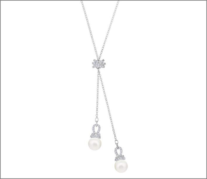 Collana in metallo rodiato, cristalli e Swarovski Crystal Pearl