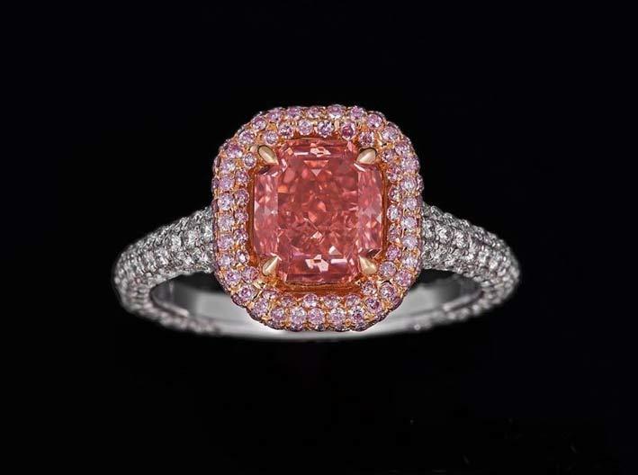 Passionate Pink, anello con diamante fancy vivid pink