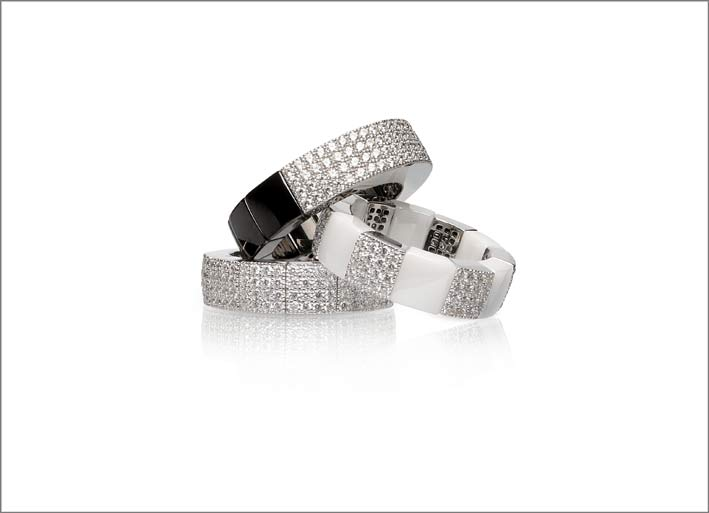 Roberto Demeglio, anelli in ceramica e pavé di diamanti