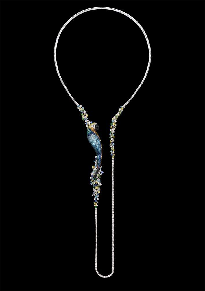 The Curious Parrot: collier con spilla staccabile in diamanti bianchi, neri e colorati, zaffiri e pietre semipreziose su oro bianco