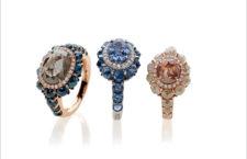 Anello oro rosa,  diamanti, diamanti blu. Anello oro bianco,  diamanti, zaffiri blu. Anello oro rosa, diamanti diamanti bianchi  lattiginosi, diamante brown