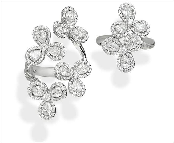 Anelli in oro bianco e diamanti della collezione Venezia