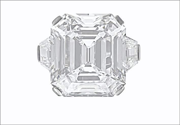 Anello di Tiffany con diamante di oltre 16 carati