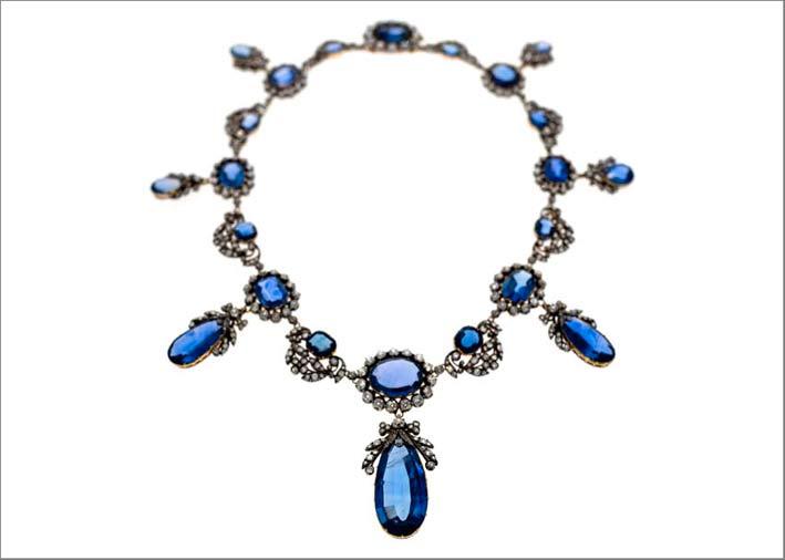 Collana vittoriana con zaffiri e frange di diamanti