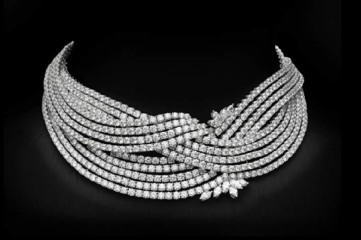 La collana con mille diamanti indossata da Ariana Grande