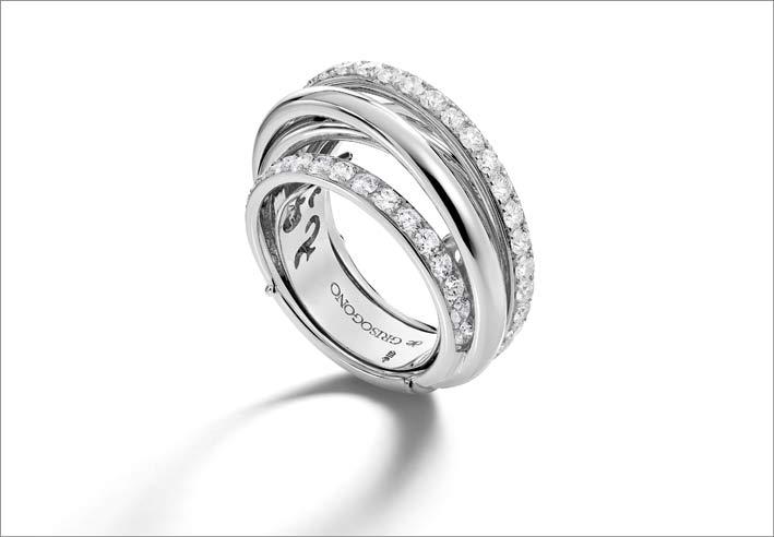 Anello in oro bianco e diamanti della collezione Allegra