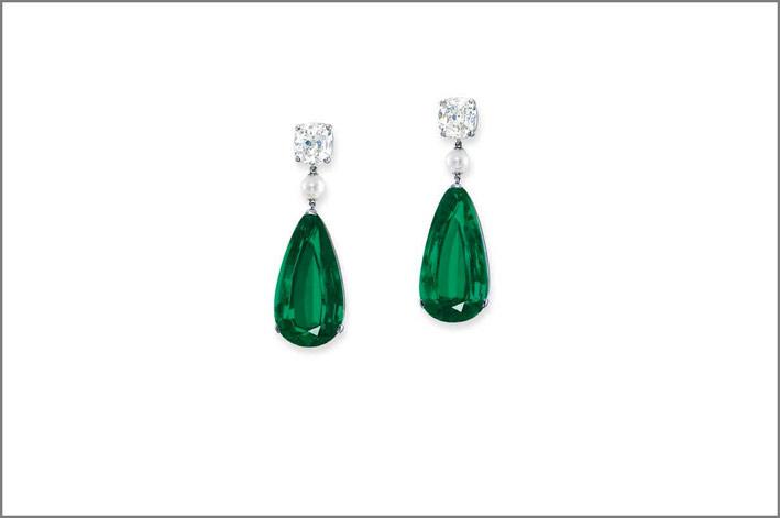 Orecchini con smeraldi a goccia