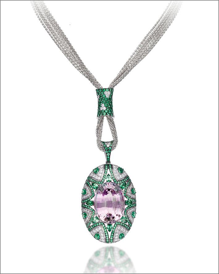 Collana con kunzite di 53,41 carati, tsavoriti e diamanti
