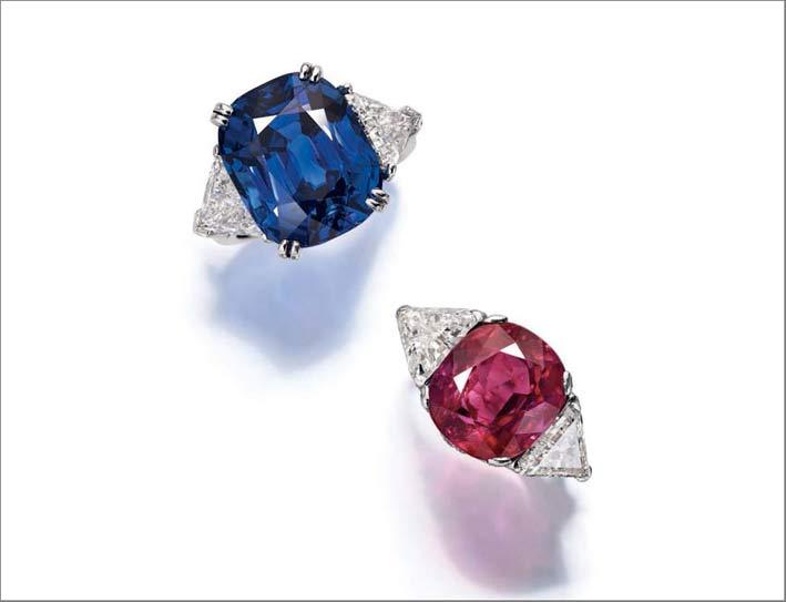 Anello con diamanti e zaffiro di Bulgari, anello con diamanti e rubino di Harry Winston