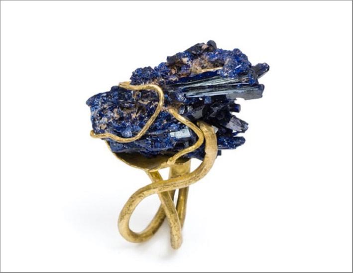 Anello in oro con azzurrite