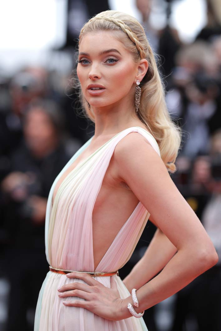 Elsa Hosk, Swedish supermodel, paraded on the red carpet with a pair of earrings, a unique creation of high jewelery, in rose gold with oval-cut white diamonds (3.24 ct and 3.13 ct), briolette-cut brown diamonds ( 110 carats) and rubies (0.18 carats), as well as a bracelet, a unique piece, in rose gold with white poire-cut diamonds, white diamonds (4.03 carats and 4.01 carats) and white diamonds (27.19 carats ), all de Grisogono