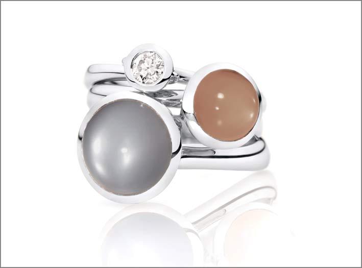 Tamara Comolli, anelli della collezione Bouton con solitario con diamante da 0,25 carati