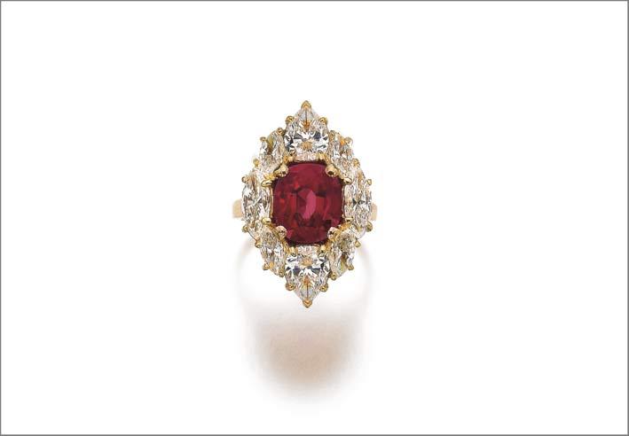 Importante anello con rubino e diamanti, Bulgari. Venduto per 1,7 milioni