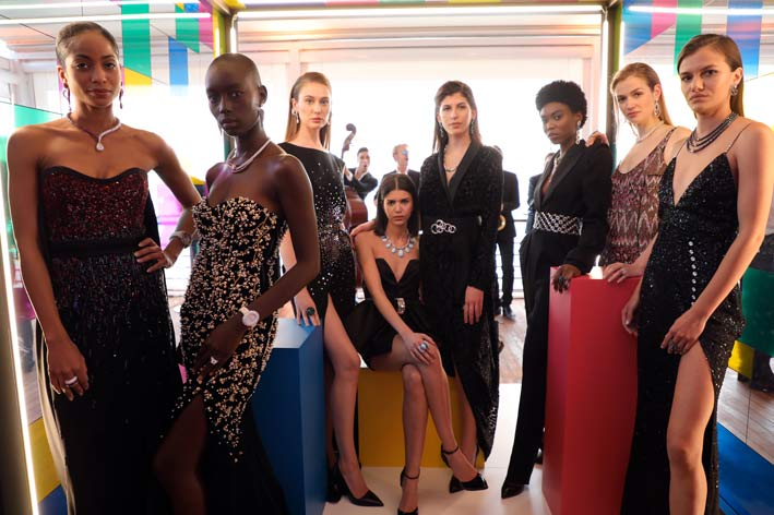 Gruppo di modelle al party di Cannes