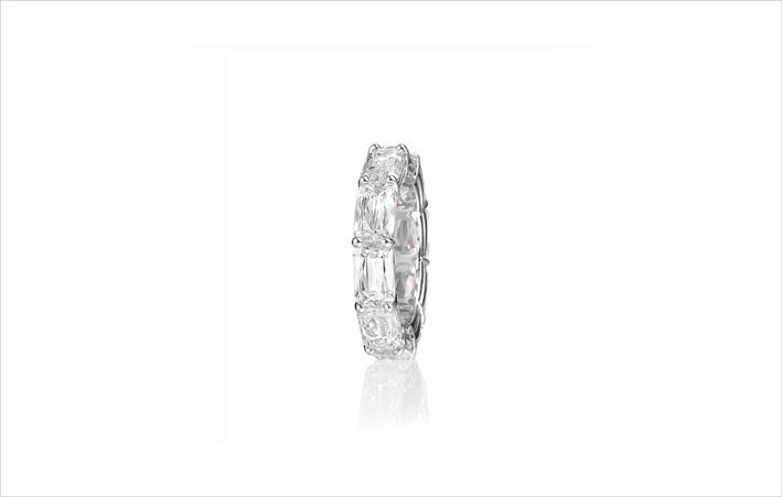 Anello eternity con diamanti taglio Ashoka