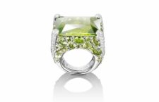 Anello con peridoto e diamanti di de Grisogono indossato da Serena Williams