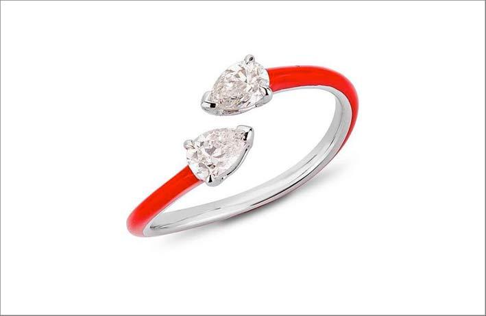 Anello in oro, ceramica rossa, diamanti