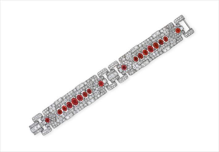 Bracciale di Cartier con diamanti e rubini, venduto per 390.000 dollari