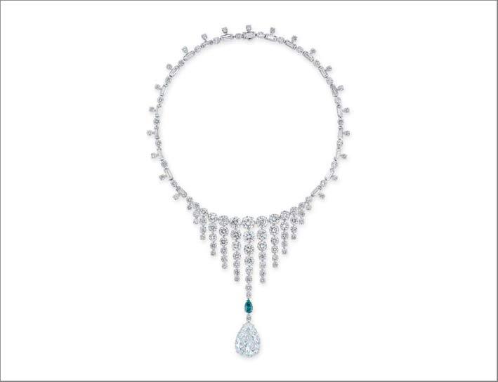 Collana con diamante a taglio pera di 11,69 carati, diamante a taglio brillante verde da 1,02 carati, a taglio circolare e baguette di Bulgari