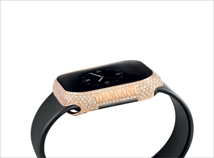 Apple Watch con cover in oro rosa