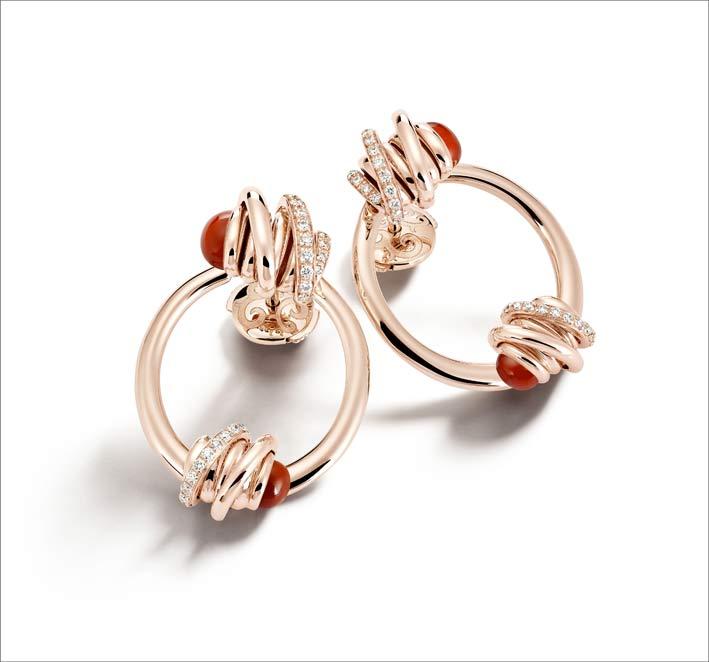 Orecchini in oro rosa, diamanti, corniola