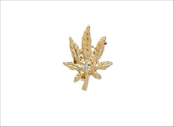 Orecchino di Jacquie Aiche in oro e diamanti