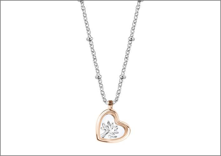 Collana in argento 925‰ con pendente PVD rose gold a forma di cuore che racchiude charm a forma di albero della vita. Prezzo: 79 euro