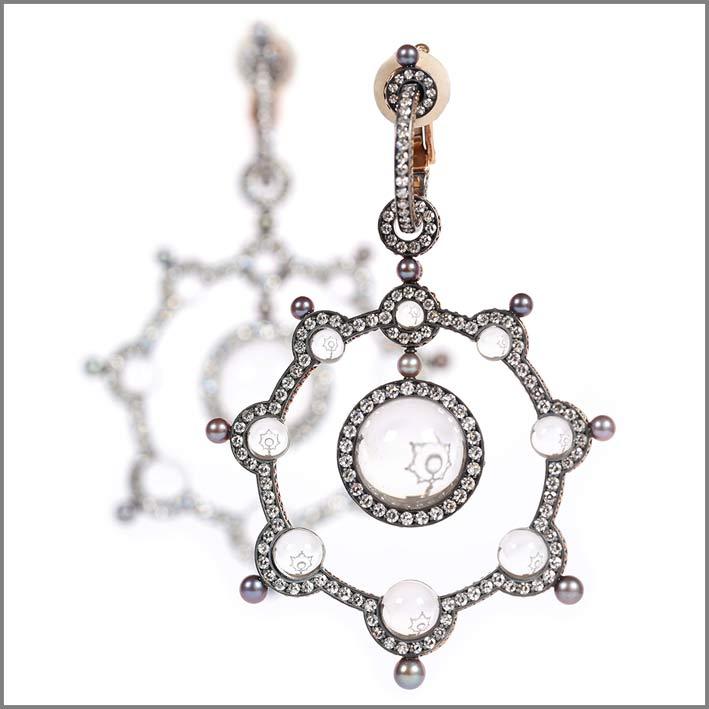 Pendente con perle naturali, diamanti