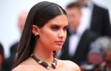 Sara Sampaio ha scelto gioielli vintage Boucheron