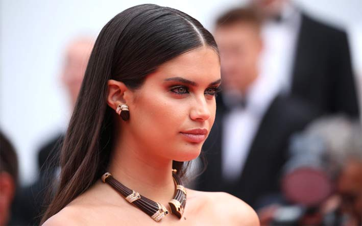 Sara Sampaio chose Boucheron vintage jewelry