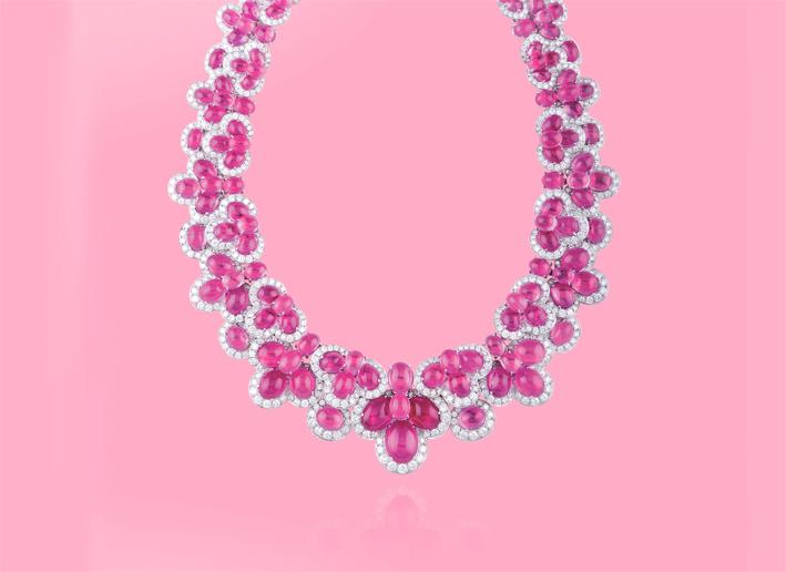 Collana con diamanti e zaffiri rosa