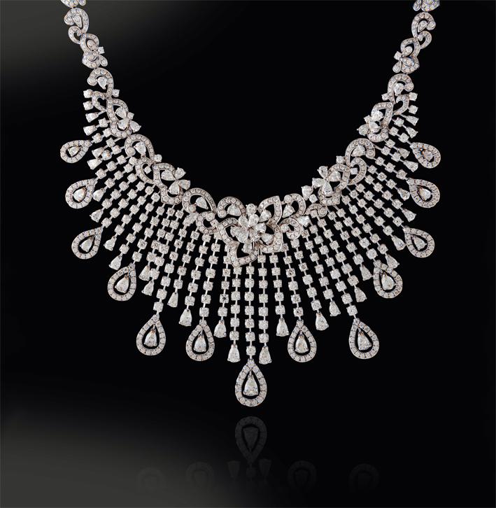 Collana di diamanti tear drop
