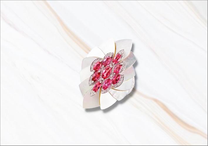 Anello Mogra Emanation in oro, perle, tormaline rosa taglio marquise, diamanti bianchi