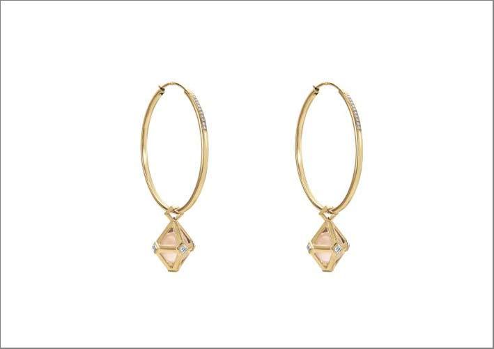 Atelier Swarovski, orecchini a cerchio con doppio diamante firmati Stephen Webster