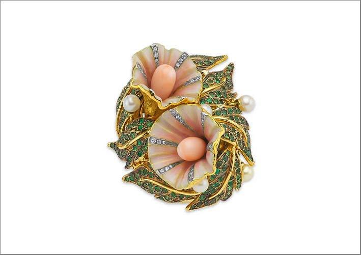 Collezione Convolvulus Sepium: oro giallo 18 carati con diamanti, granati verdi, smalti, coralli e perle