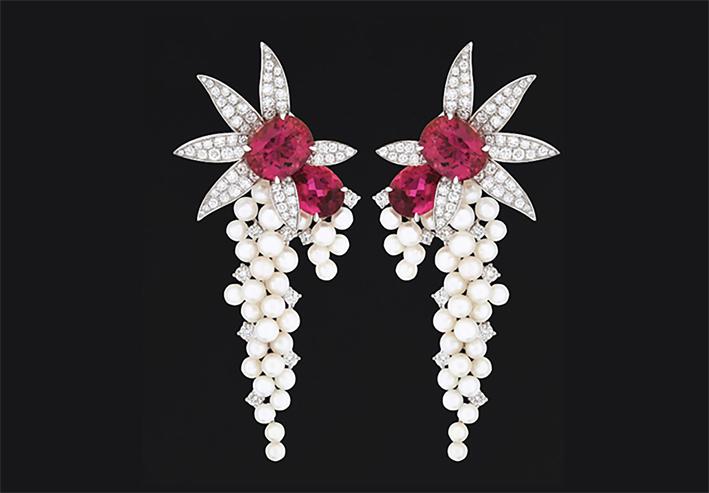 Orecchini in oro bianco con perle e tormalina rosa
