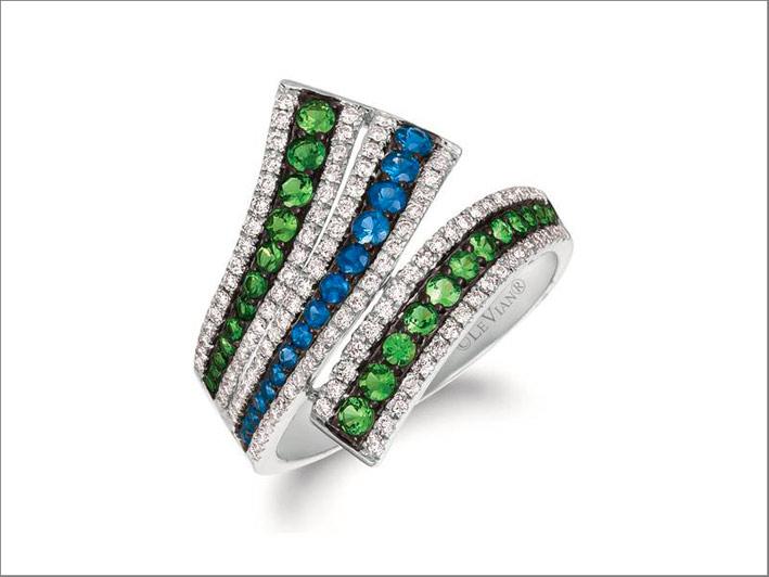 Anello con diamanti, granato verde, zaffiri