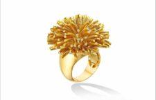 Anello della clllezione Fur, in oro e piccoli diamanti