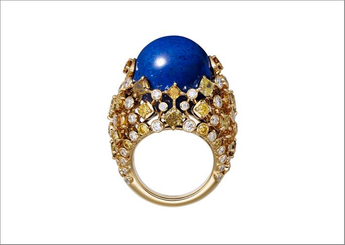 Anello in oro con lapislazzulo e diamanti fancy by Cartier