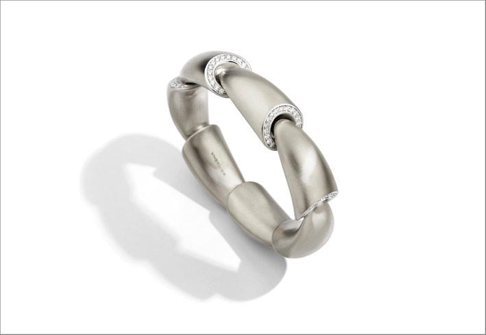Bracciale Calla in oro bianco satinato e diamanti