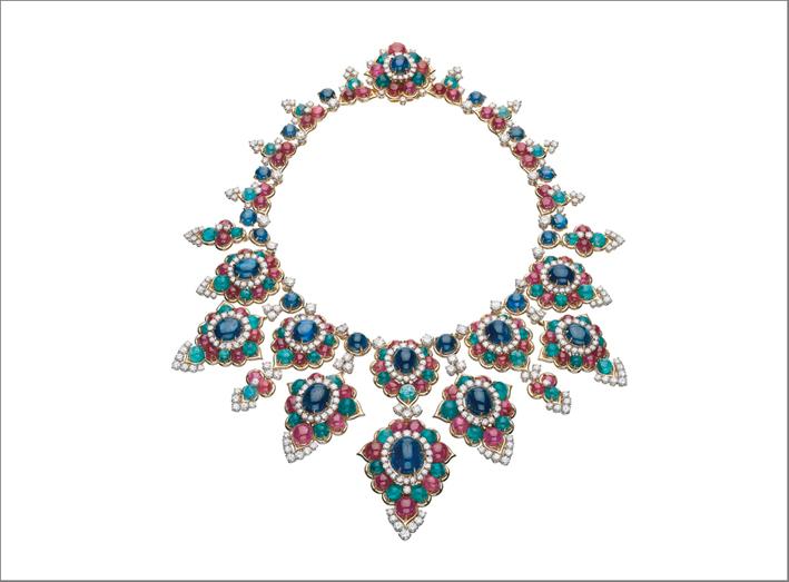 Collier con zaffiri, rubini, smeraldi, diamanti