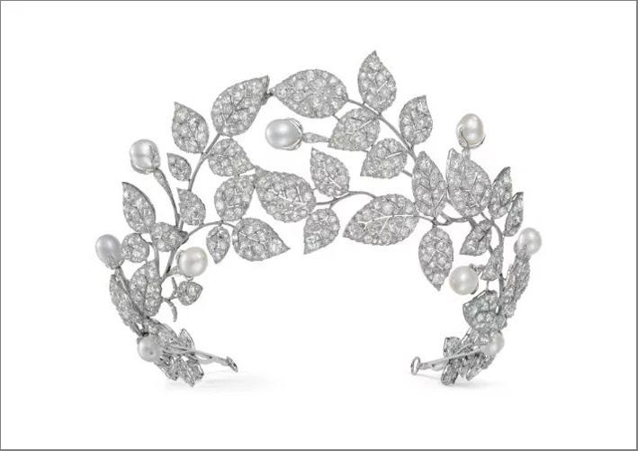 Diadema Boccioli di rosa, oro bianco, diamanti, perle
