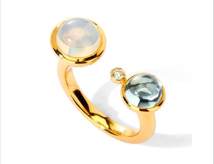 Anello in oro con pietra luna, topazio e piccolo diamante