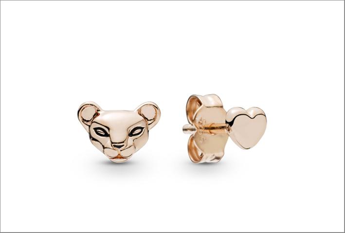 Pandora, orecchini con testa di leonessa