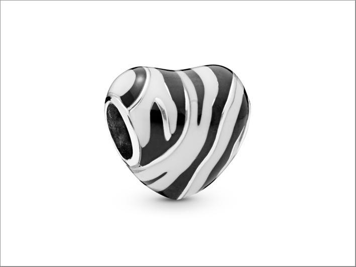 Charm con i colori della zebra