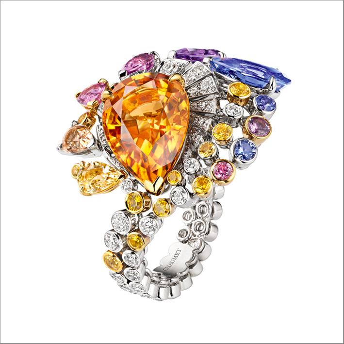 Anello di Lueurs d'Orage, in oro bianco e giallo, con un topazio imperiale, ametista, tanzanite, zaffiri, diamanti