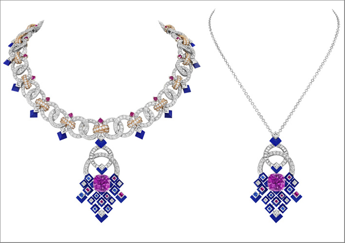 Collana con pendente amovibile. Oro bianco, oro rosa, uno zaffiro rosa taglio cuscino di 13,78 carati (Sri Lanka), zaffiri blu e rosa, lapislazzuli, diamanti